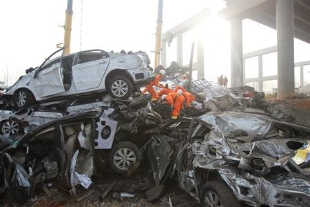 В Китае из-за взрыва фуры с салютами рухнул целый мост