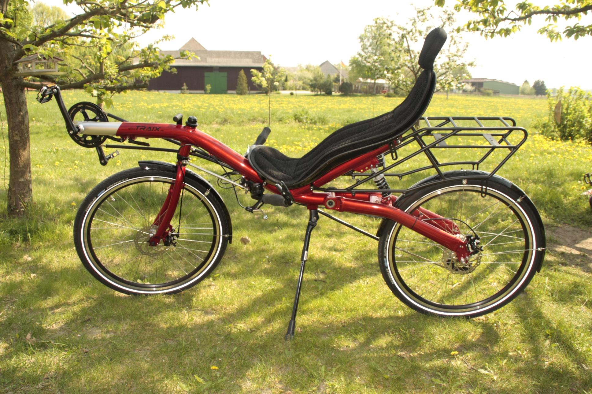 Еще бы телевизор - и лежачий велосипед был бы раем на колесах