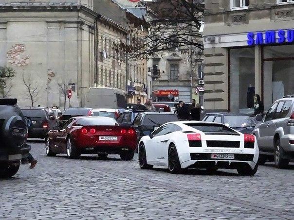Lamborghini Gallardo и Chevrolet Corvette