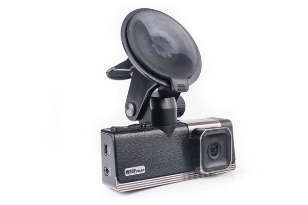 Как выбрать видеорегистратор для авто: Дельные советы