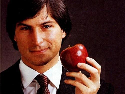 Стив Джобс и яблоко