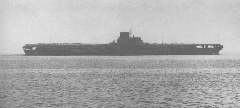 Японский авианосец пошел ко дну только после четвертого попадания американской торпедой