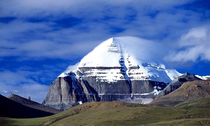 Альпинистов от восхождения на Кайлас берегут потусторонние силы и местные жители