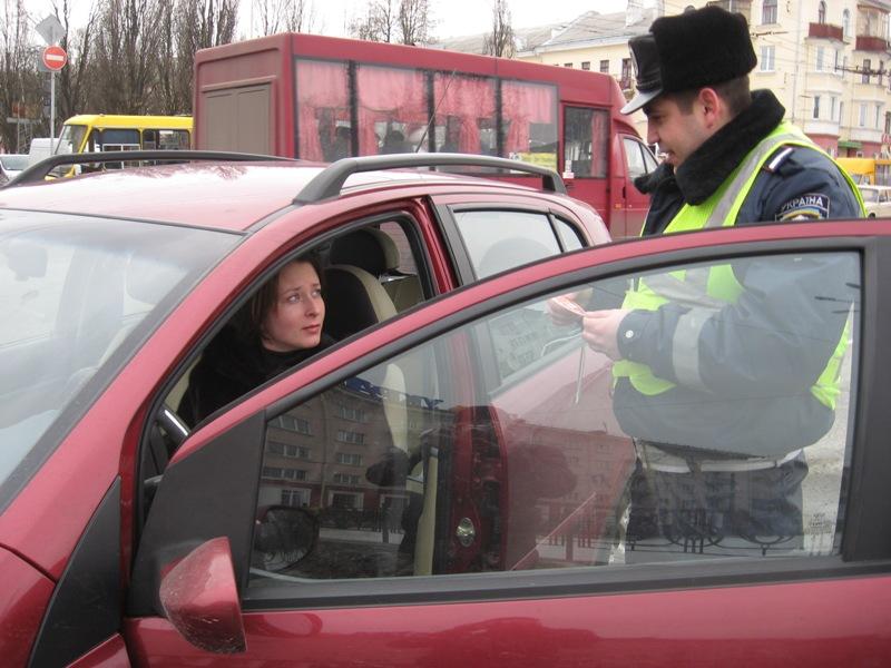 Штраф без прав на машине обернулся