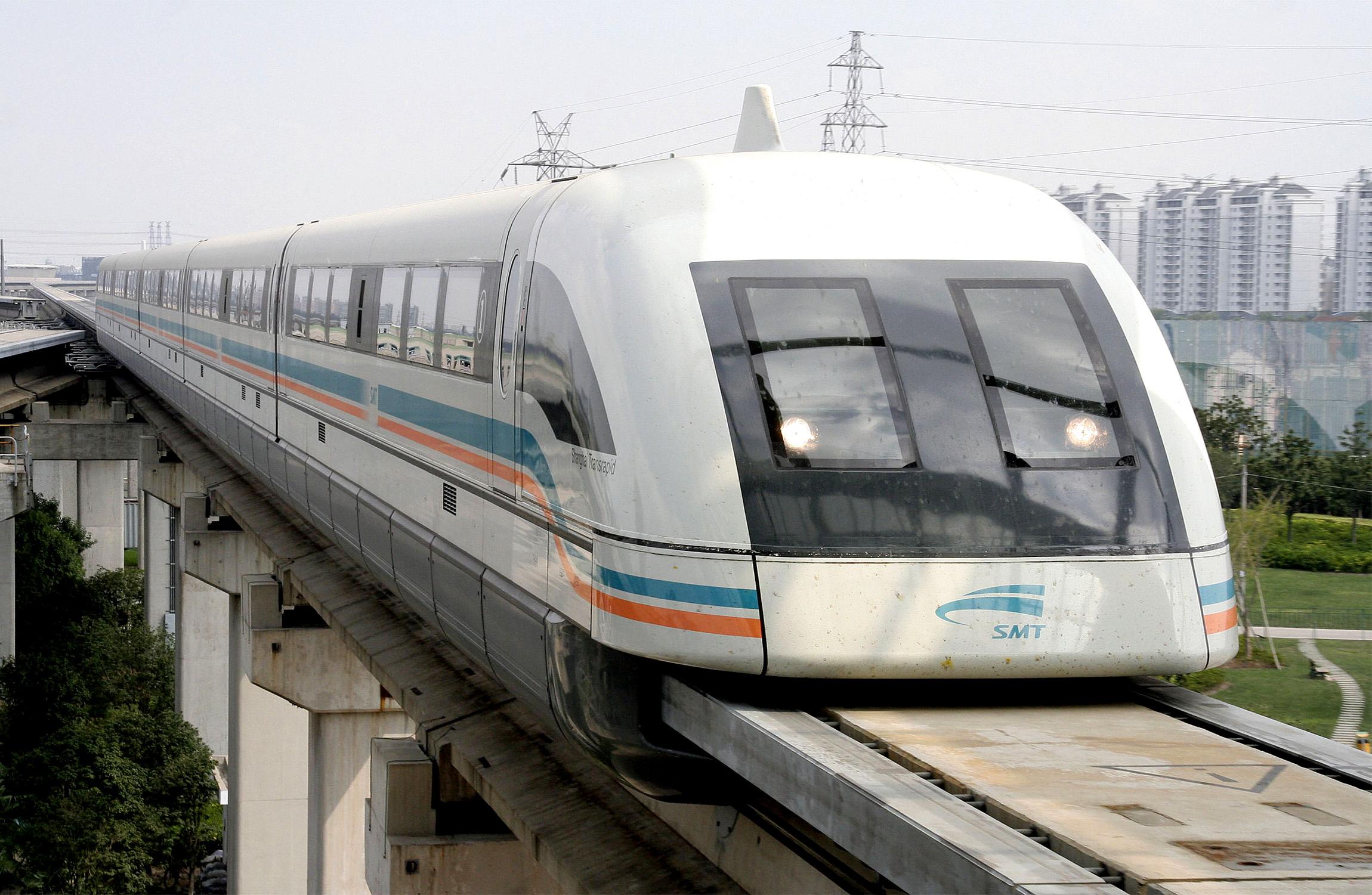 В Китае уже ходят составы Maglev