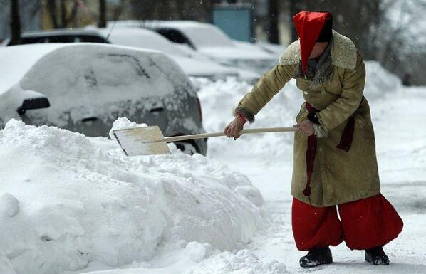 Снегопад в Киеве парализовал движение