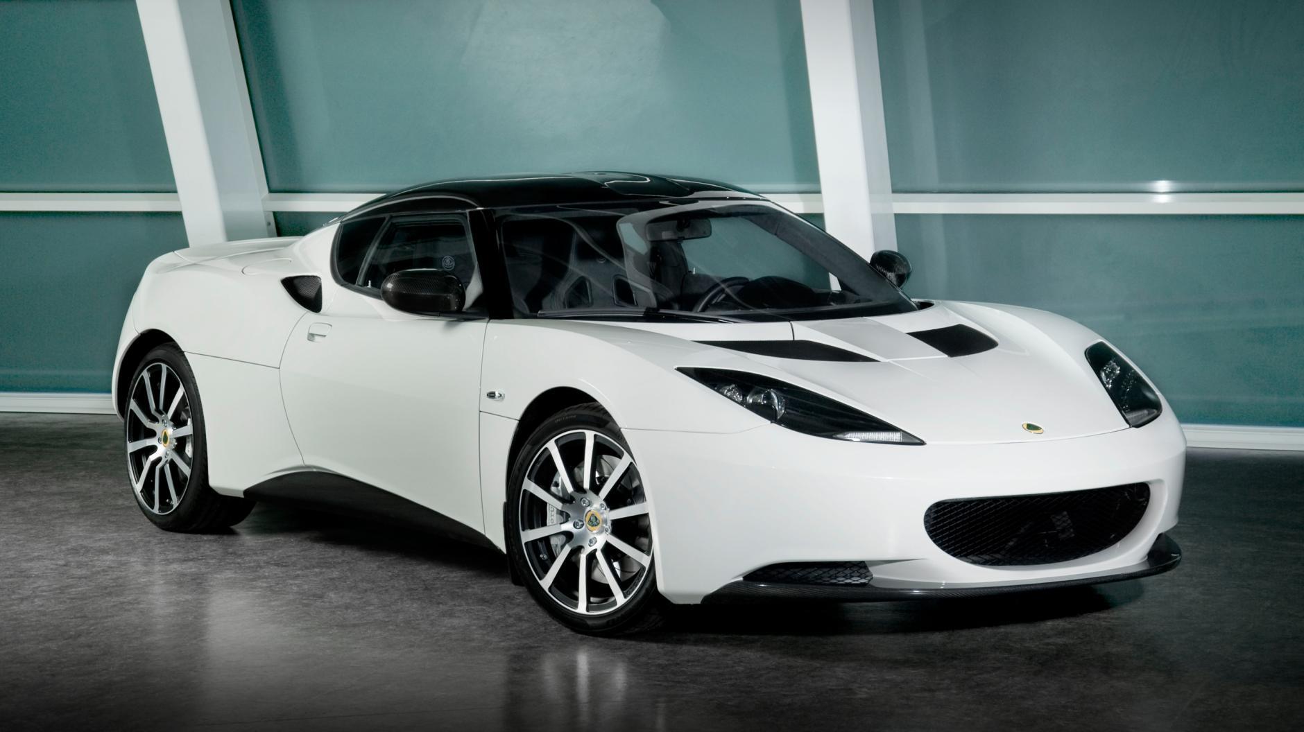 Цена Lotus Evora колеблется от 45 000£ до чуть более 50 000£