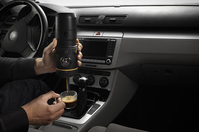 Отныне можешь заваривать кофе прямо в салоне авто