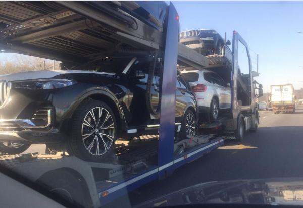 Новый флагманский кроссовер BMW X7, представленный осенью, уже заметили в Украине