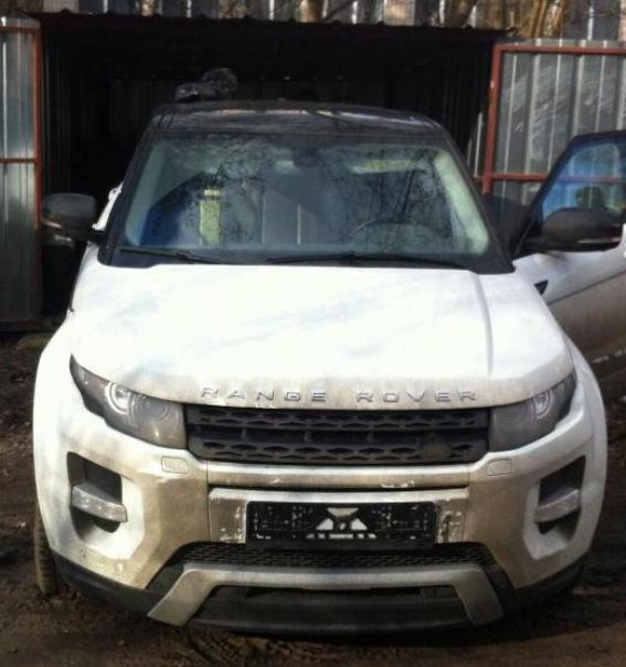 Этот Range Rover похитили в прошлом году