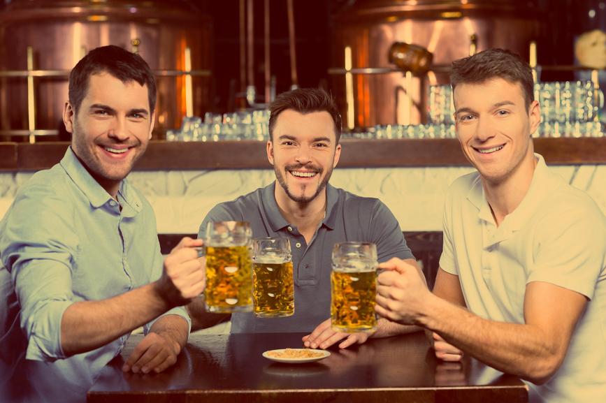 Нет ничего приятнее, чем бокал полезного холодного пива в конце рабочей напряженки