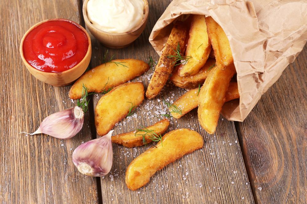А с чем ты ешь жареную картошку?