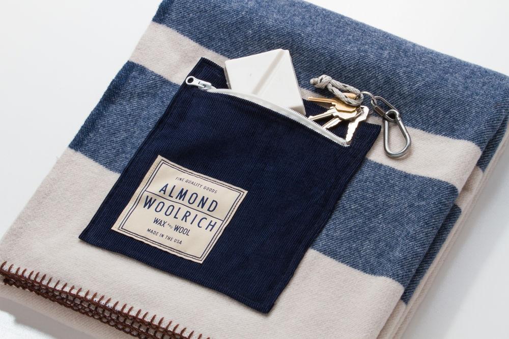 Одеяло Almond X Woolrich - 3500 гривен