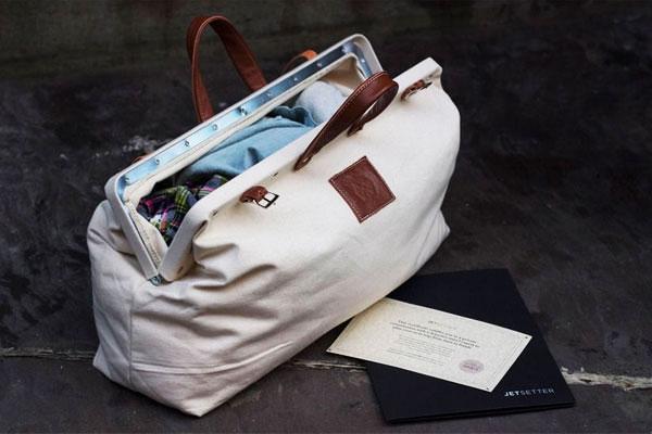 Ты не будешь похож на барышню, если захватишь с собой дорожную сумку для пикника. Хоть в ней, как и в женской, черт ногу сломит, но с тобой будут все необходимые вещи