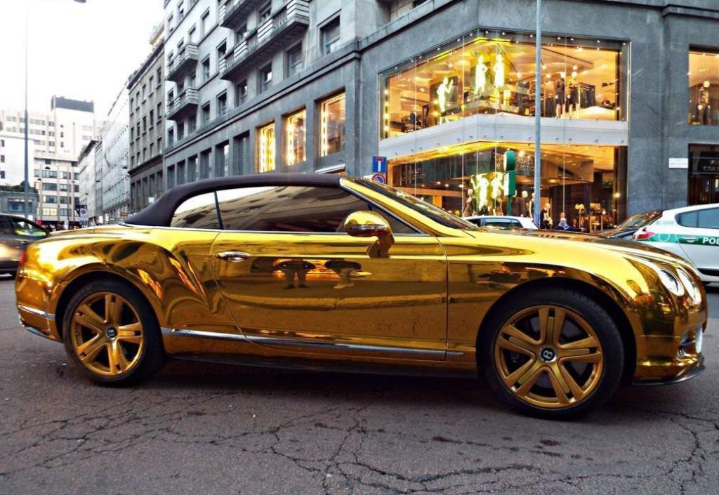 bentley золотой