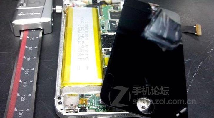 Разобранный iPhone 5S