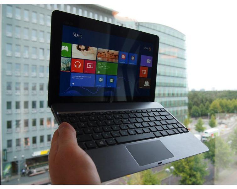 ASUS представила новый планшет-транфсормер - VivoTab