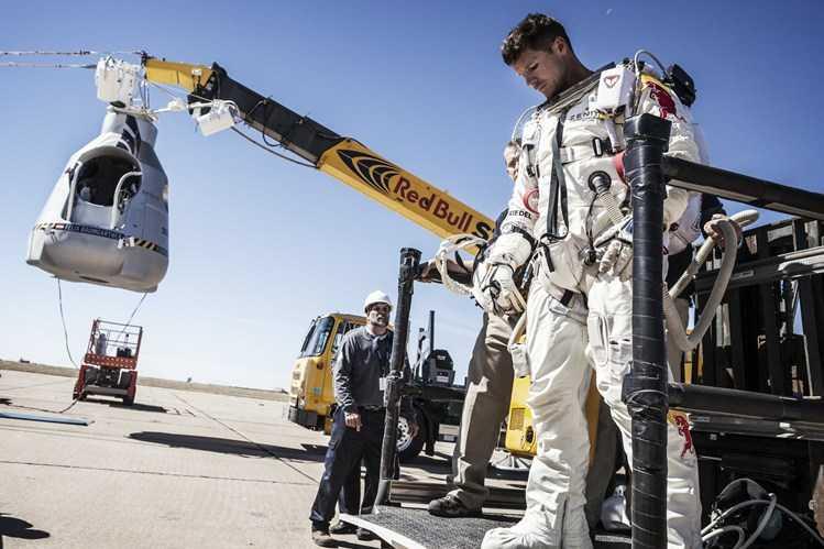 Прыжок из космоса совершит австриец Феликс Баумгартнер