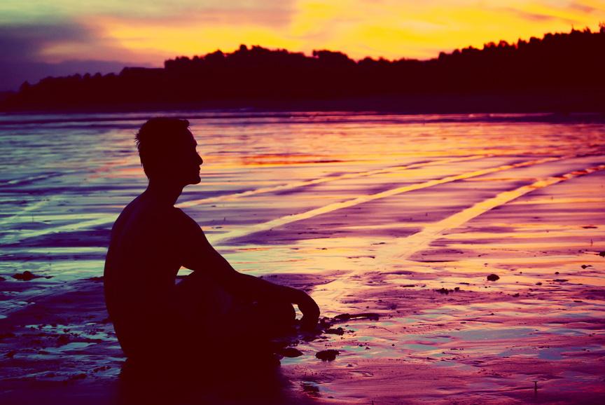 Утренние медитации — хороший способ быть менее нервным