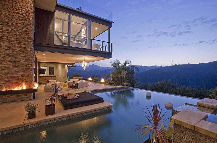 Эштон Кутчер за и $8,45 миллионов увел дом у Джастина Бибера