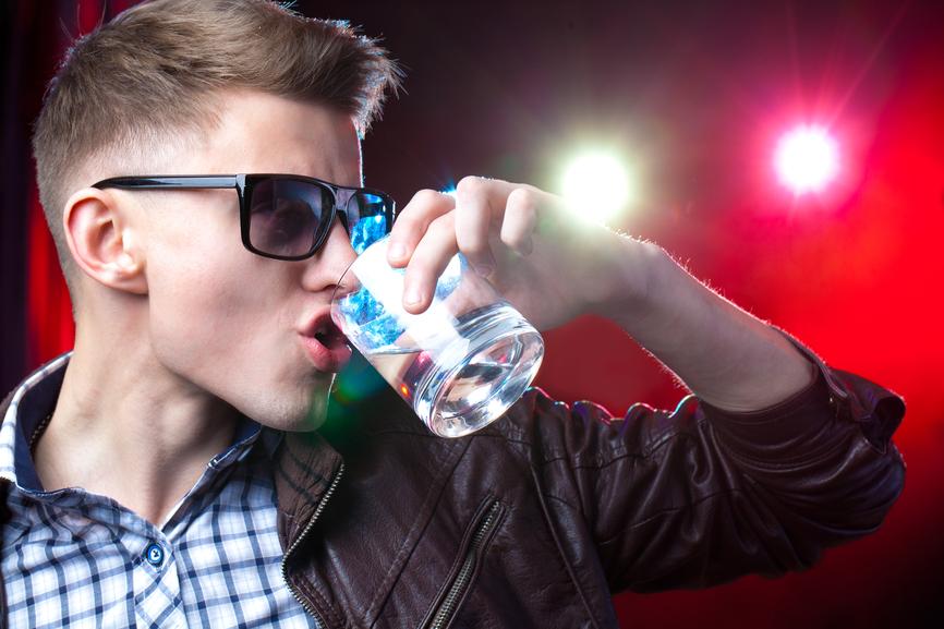В коктейлях, как правило, вкус водки не ощутить
