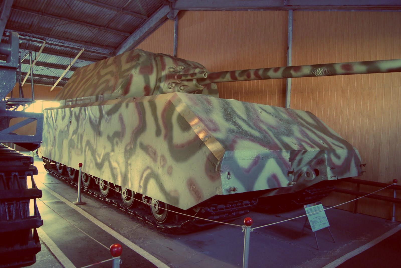 Маус — мощнейший танк Второй мировой. Так и остался на чертежах (построено всего 2 прототипа)