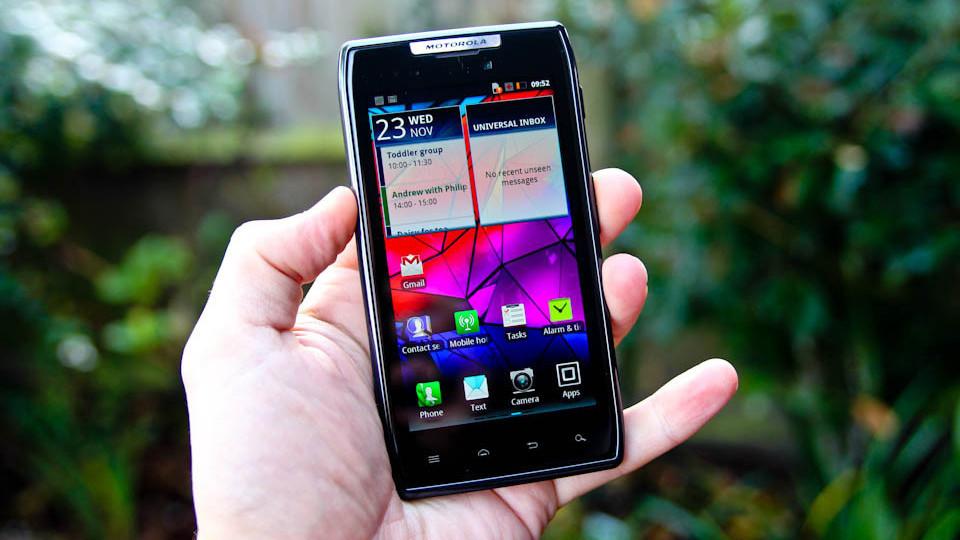 RAZR — Motorola вернулась