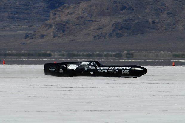 Гоночный автомобиль-ракету продают за 25 тыс долларов