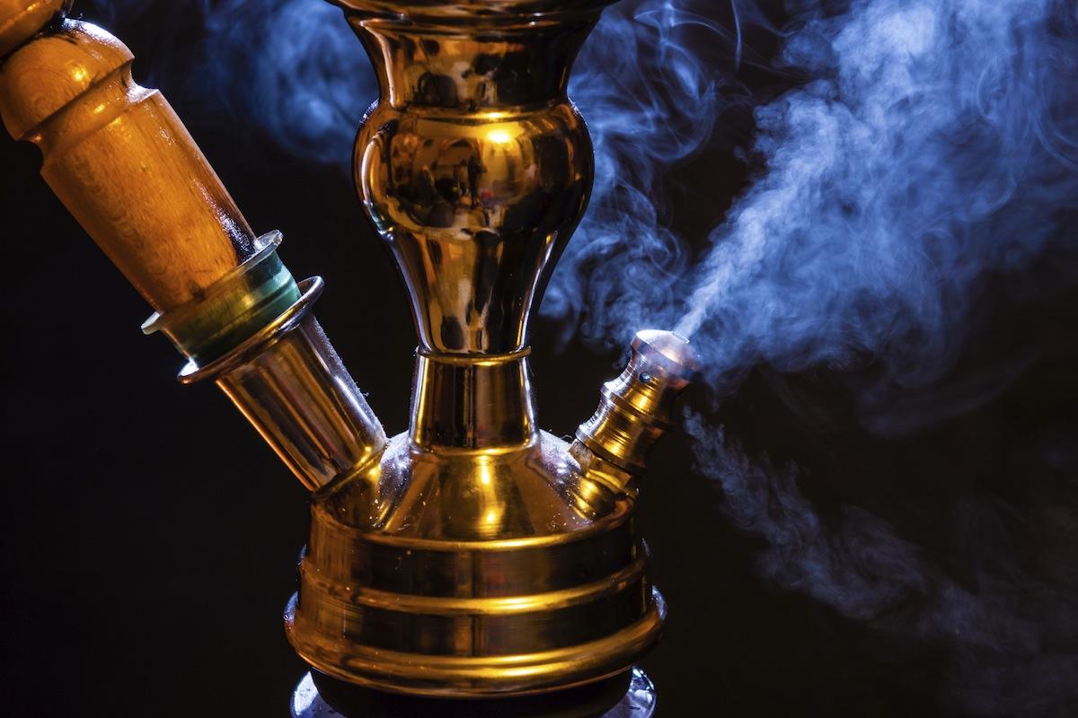 Вода в кальяне не чистит дым от гадостей, а только его охлаждает