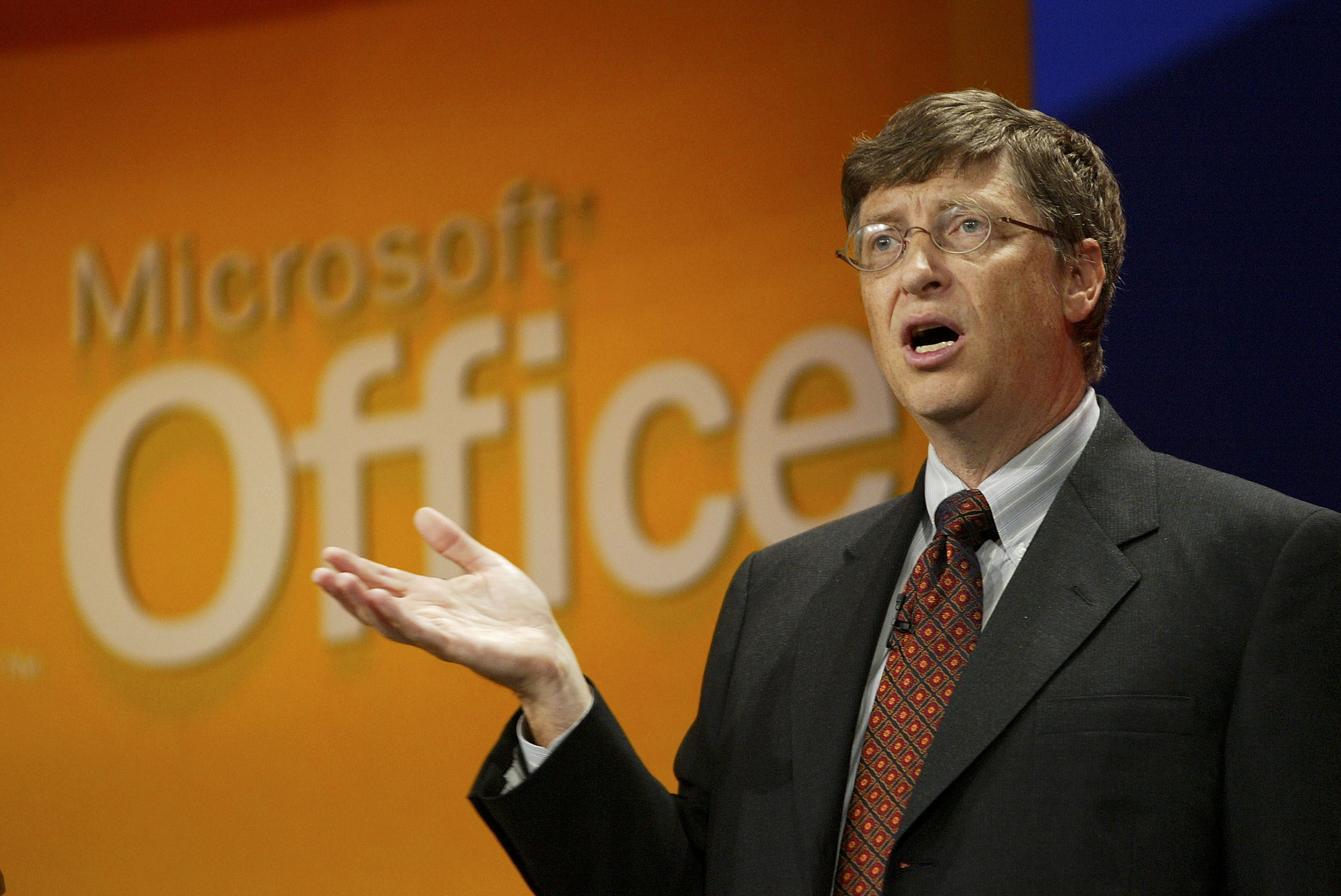 bill gates before microsoft essay Before gates created this software, computers were often machines that could only be used by computer scientists and not everyone microsoft, his company, was the first operating system that had a graphical user interface.