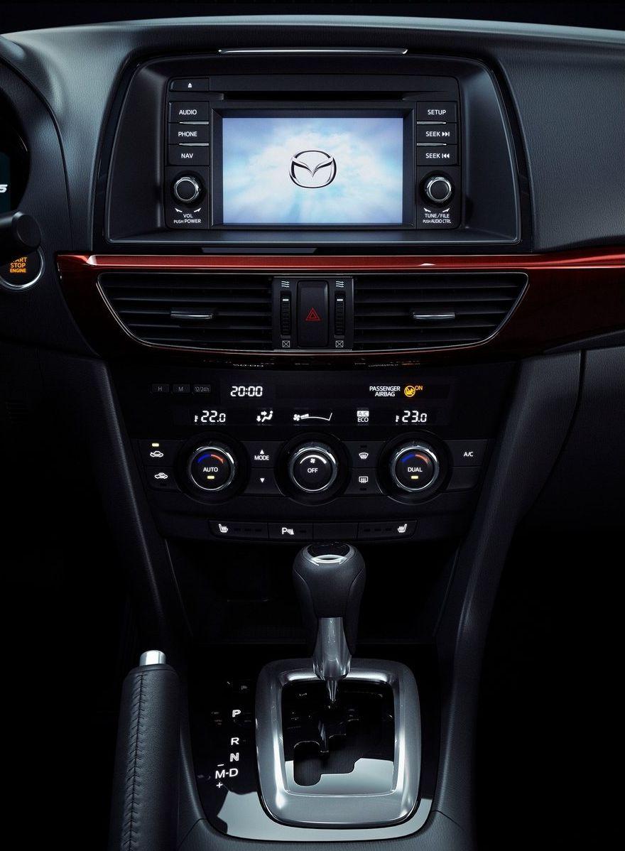 У новой Mazda6 есть 5,8-дюймовый экран для мультимедии