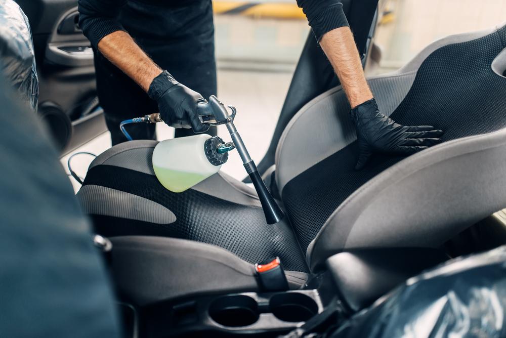 Химчистка авто своими руками: Обзор лучшей техники и средств, цены