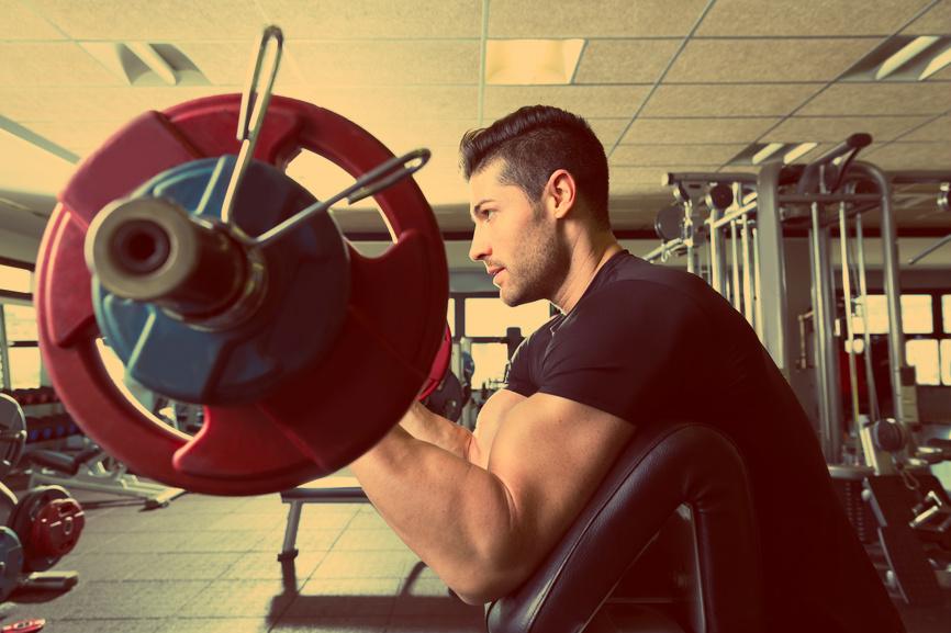 Объем бицепса зависит от рабочего веса снаряда