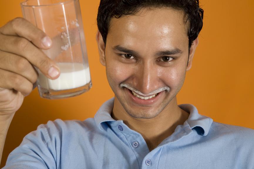 Вместо газировки пей лучше молоко