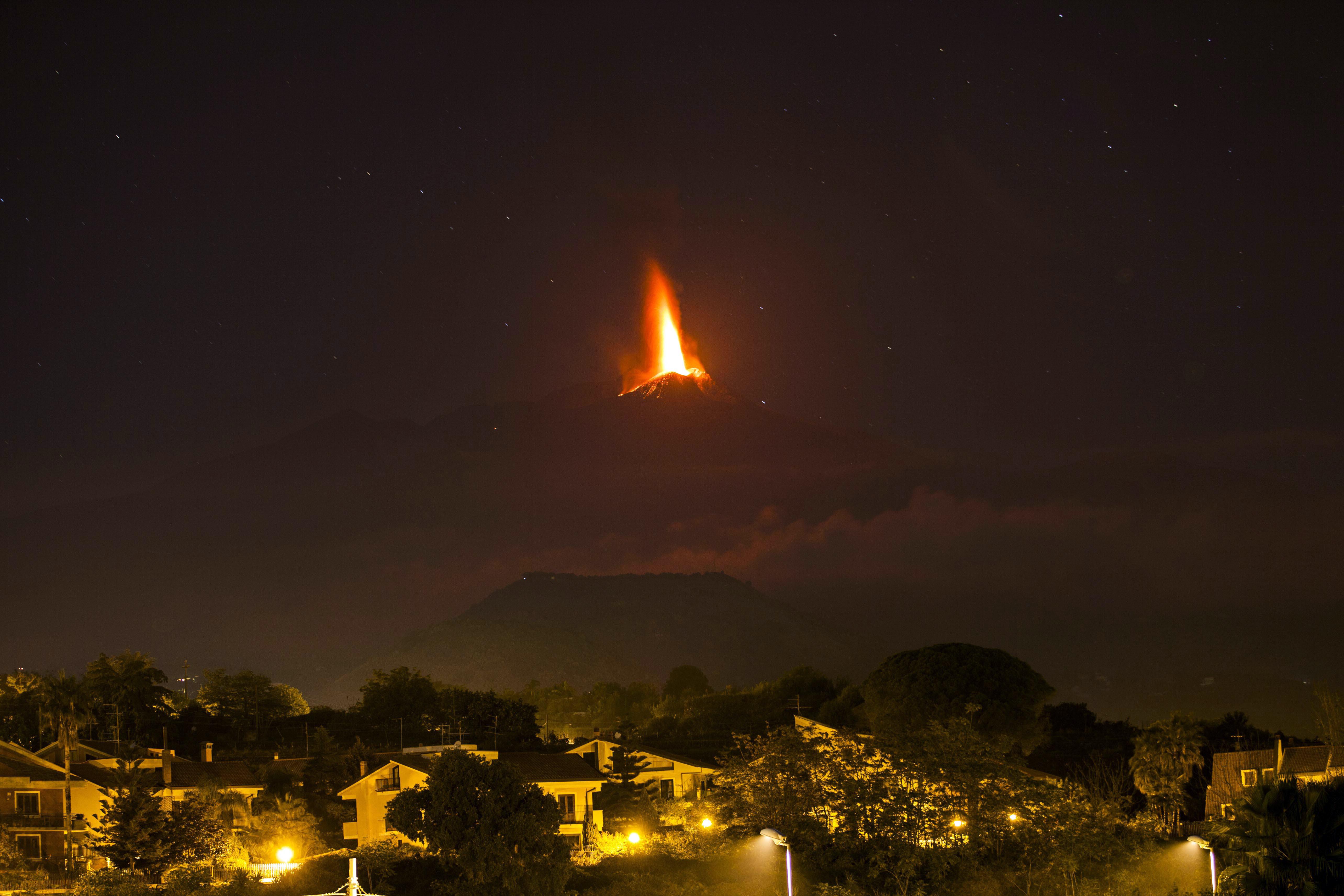 Вулкан Этна проснулся