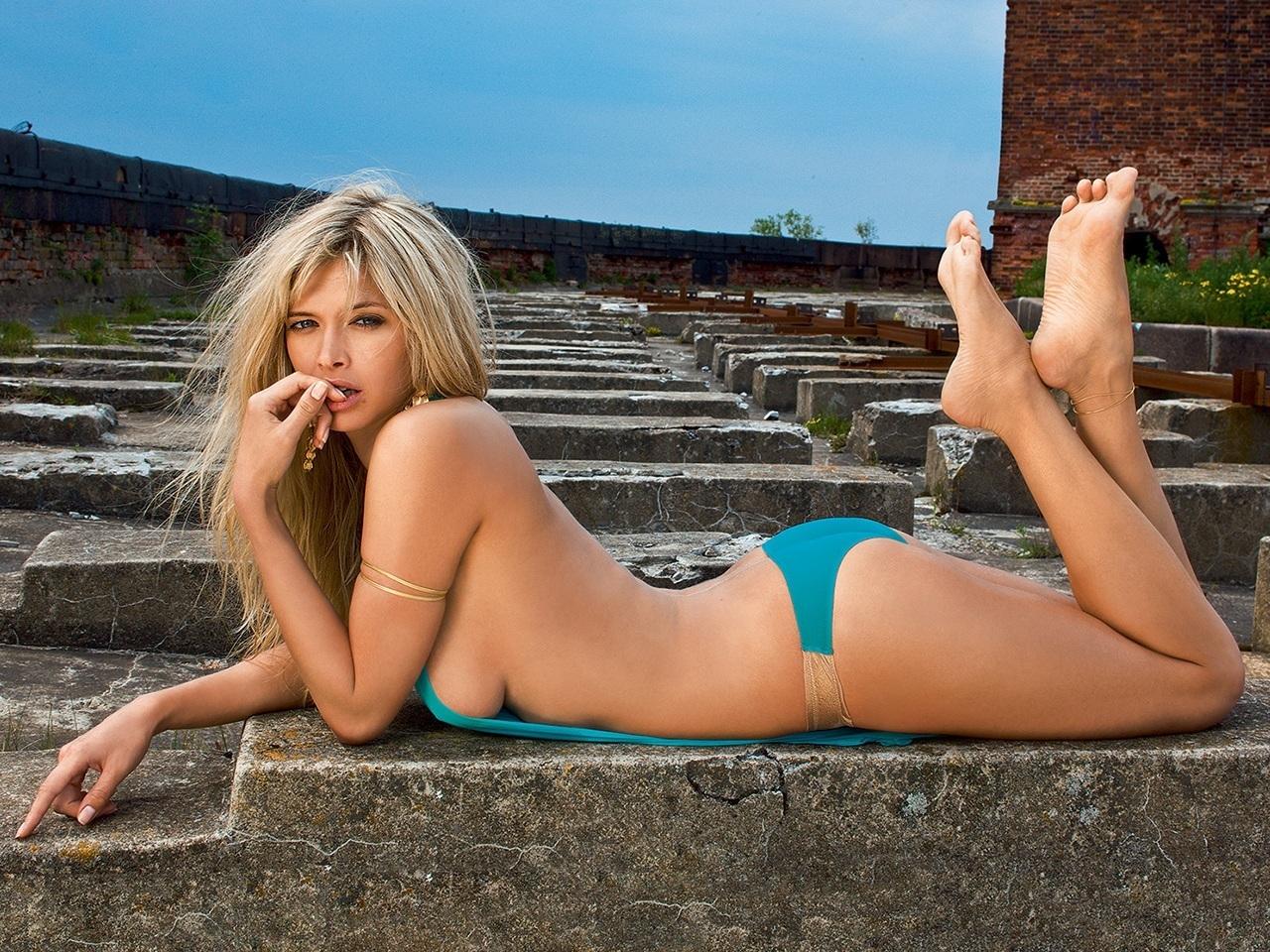 Смотреть онлайн голых украинских звезд шоу бизнеса 4 фотография