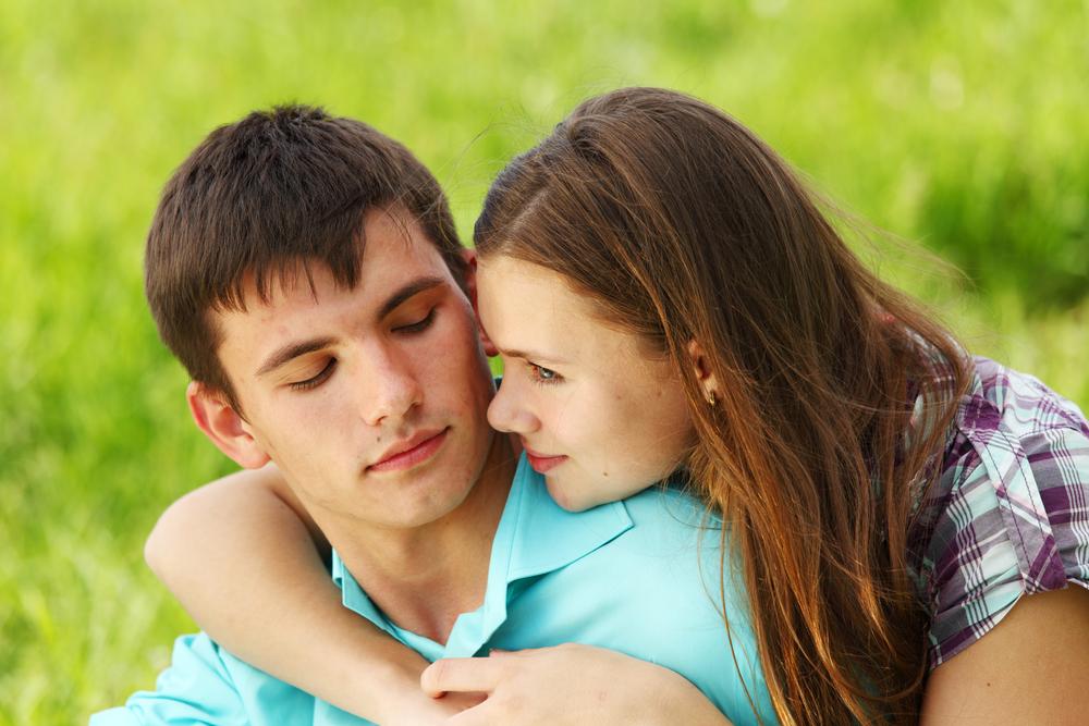 Как согреться в холода - обнимай свою женщину