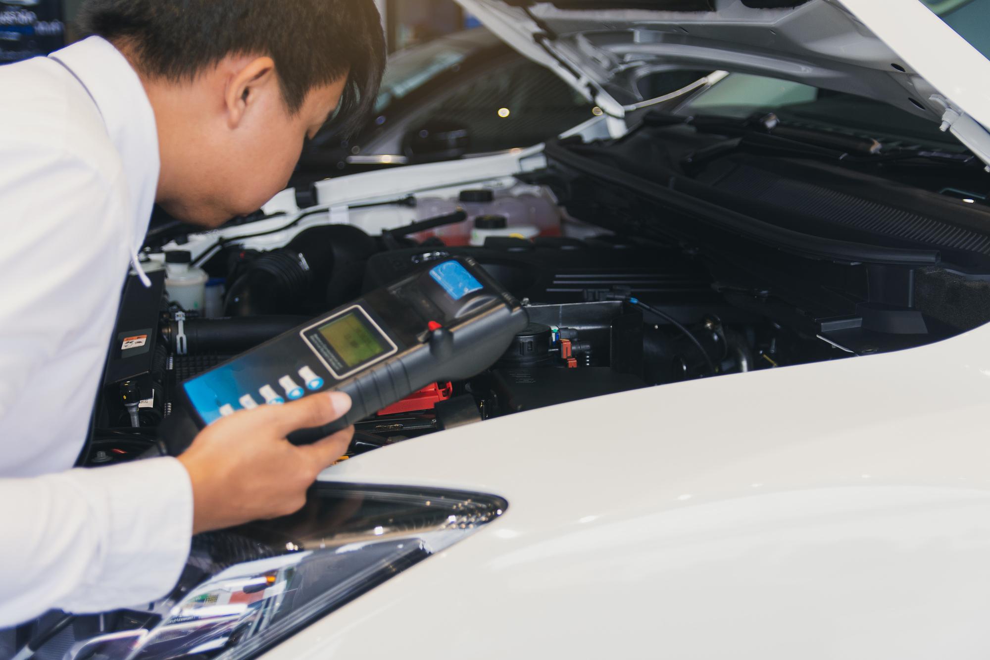 Как зарядить аккумулятор авто: самый быстрый и эффективный способ