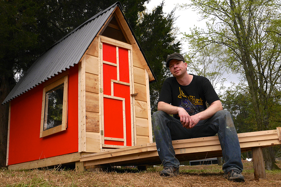 Дерек Дидриксен не только фотографирует маленькие дома, но и сам их проектирует