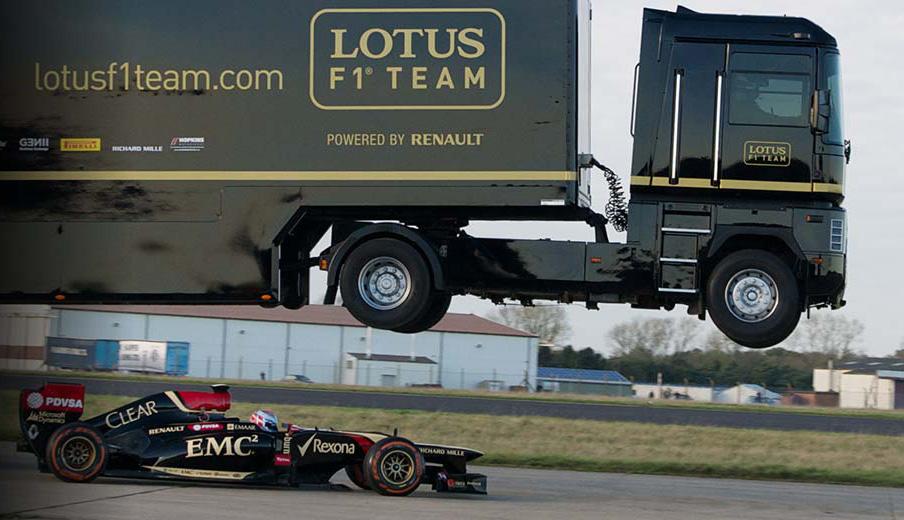 2014 - год летающих над болидами грузовиков Renault