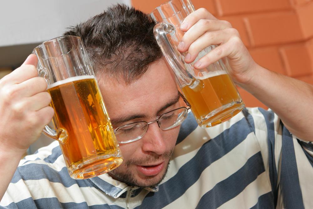 Сушняк и больная голова - самые частые симптомы похмелья