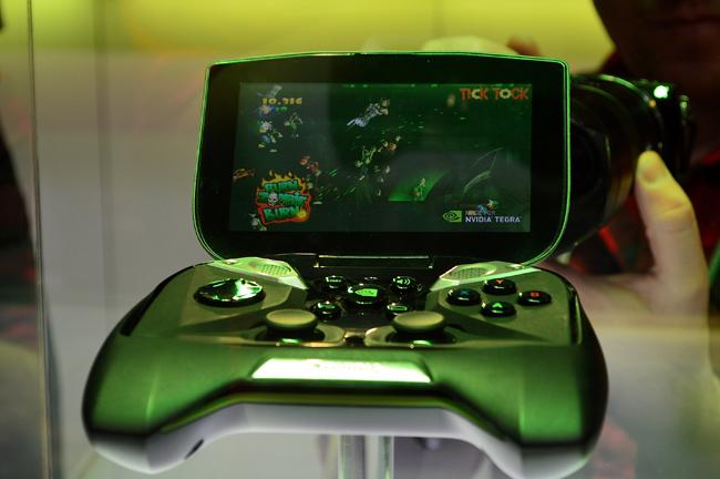 Игровая консоль NVIDIA Project Shield, внутри которой интегрирован чип Tegra 4