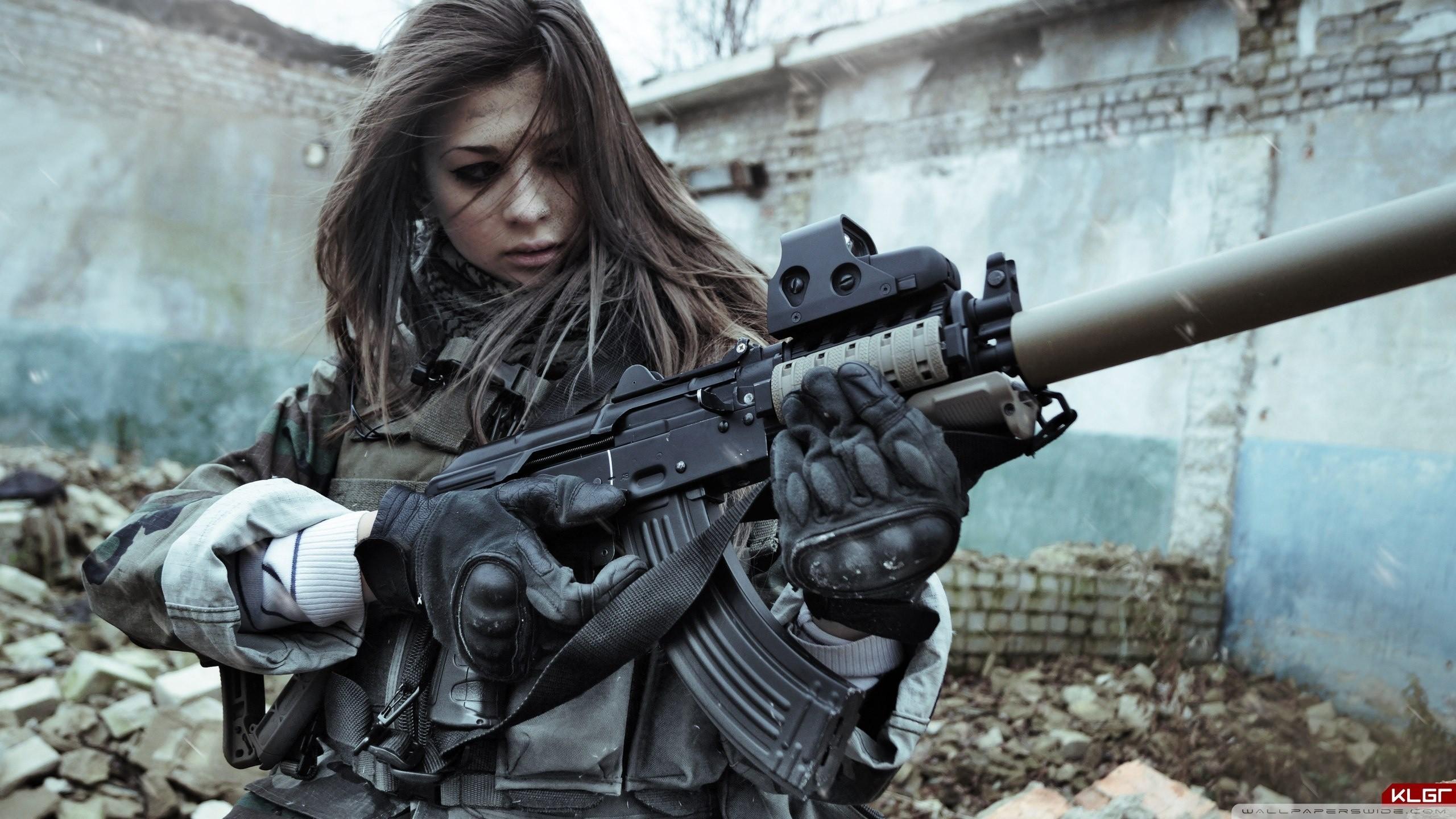 Французская - самая феминизированная армия в Европе (более 14 % служащих — женщины)