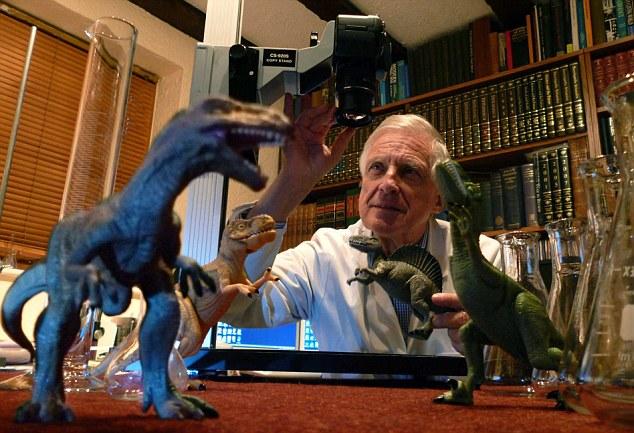 Биолог Брайан Форд