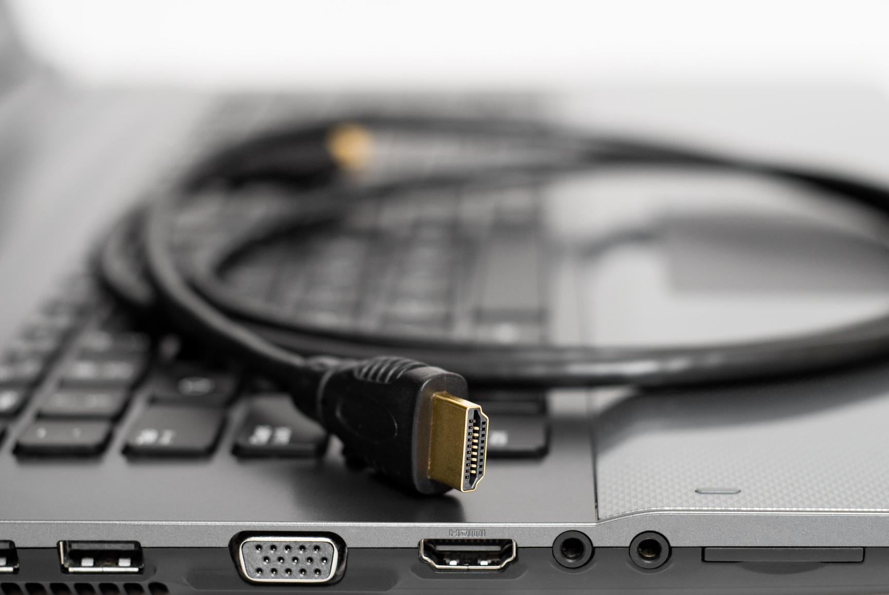 Почему ноутбук не подключается к телевизору через hdmi кабель