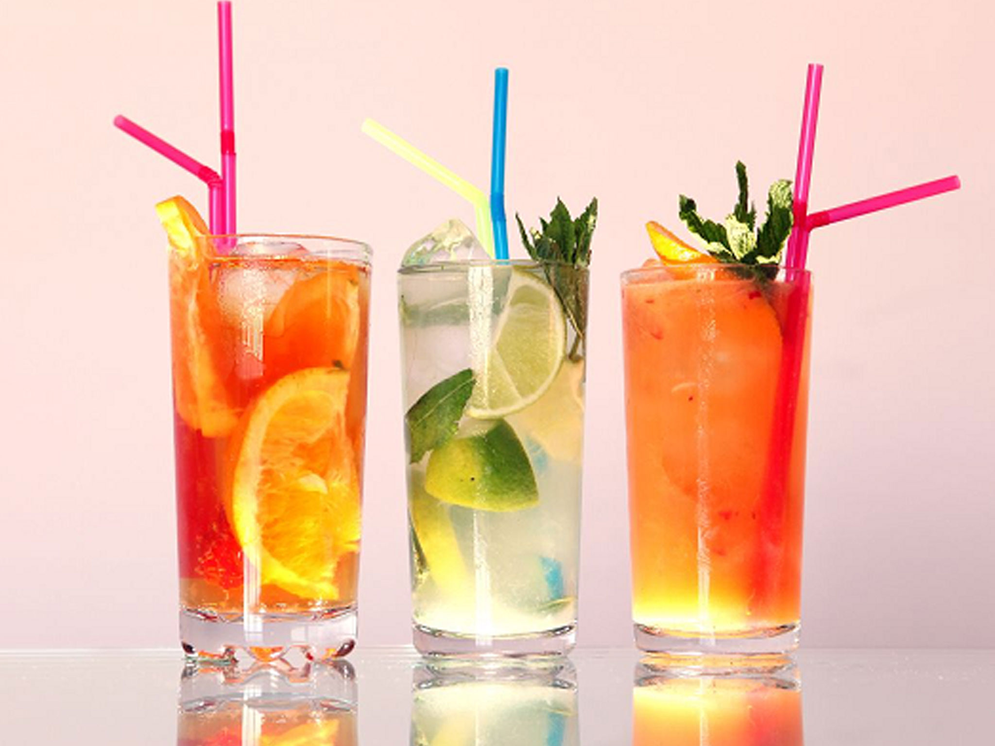 Мужики пьют мужские коктейли, а не гламурное пойло