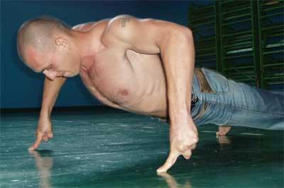 Традиционные упражнения можно усложнять
