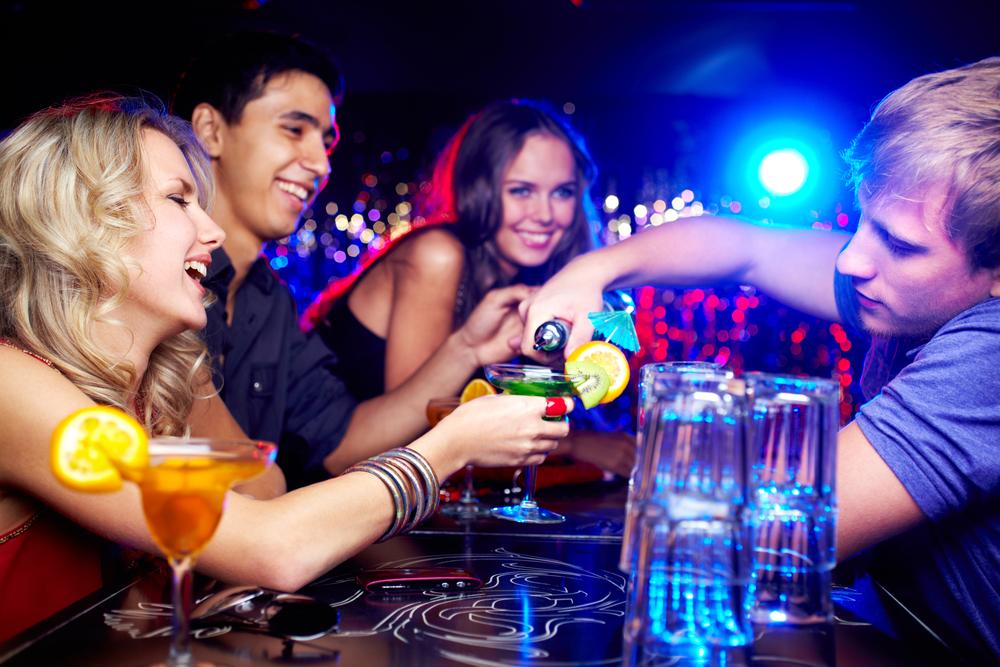 Вечеринки, женщины и алкоголь - главные аксессуары хорошего отпуска