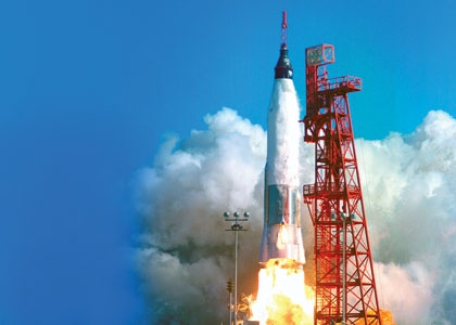 Современная наука дошла до того, что позволяет нападать на неприятеля из космоса