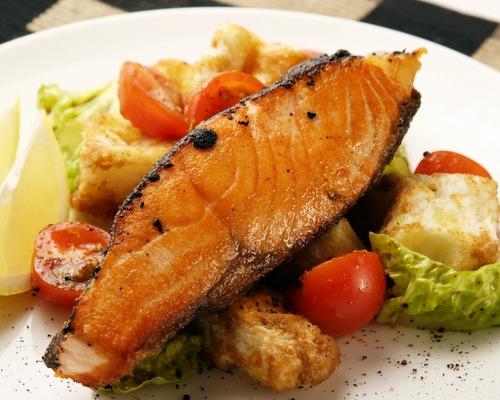 Белки лосося незаменимы для твоих мышц